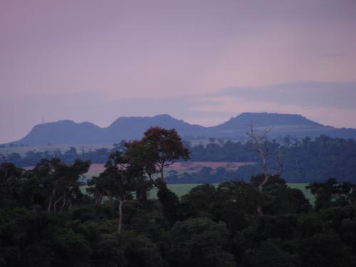 Três Morrinhos: misterioso relevo em uma região de planícies (Crédito: Cláudia Lanziani)