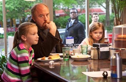 No show, o comediante é reservado e solitário quando não está com as filhas. (Foto: Reprodução)