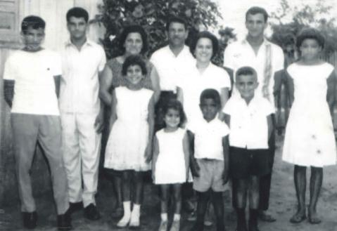 Família Bem Bem reunida em Paranavaí em 1967 (Foto: Acervo Familiar)