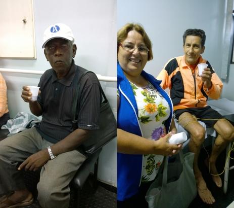 Manoel Francisco e Garrincha elogiam o trabalho das voluntárias e a qualidade do Café do Amor (Fotos: David Arioch)