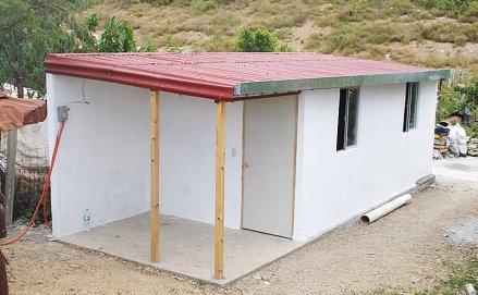 ONG mexicana constrói moradias com embalagens Tetra Park desde 2008 (Foto: Techamos Una Mano)